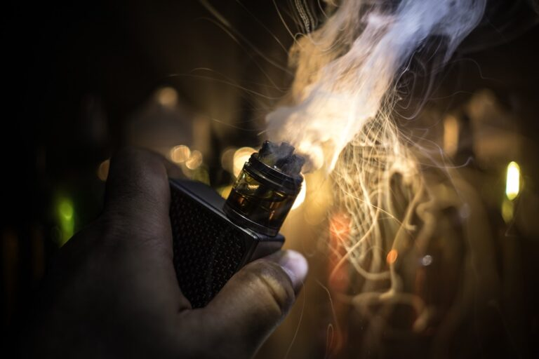 akumulator e-papieros wybuch